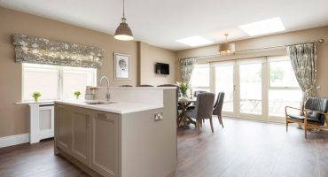the-maple-kitchen-dining-room-01