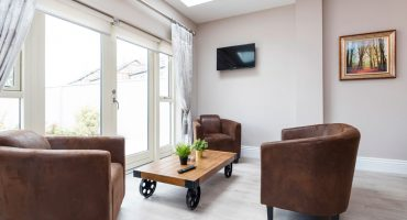 the-rowan-living-room-01